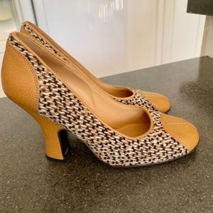 Don't miss this opportunity !!Gorgeous Prada Shoes